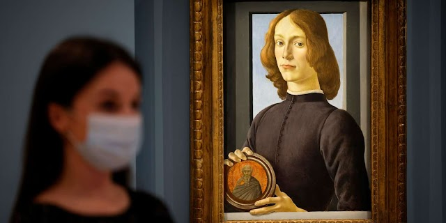 """The Botticelli 600-year-old painting """"The Boy Holding the Medallion"""" Sold for $ 92M"""
