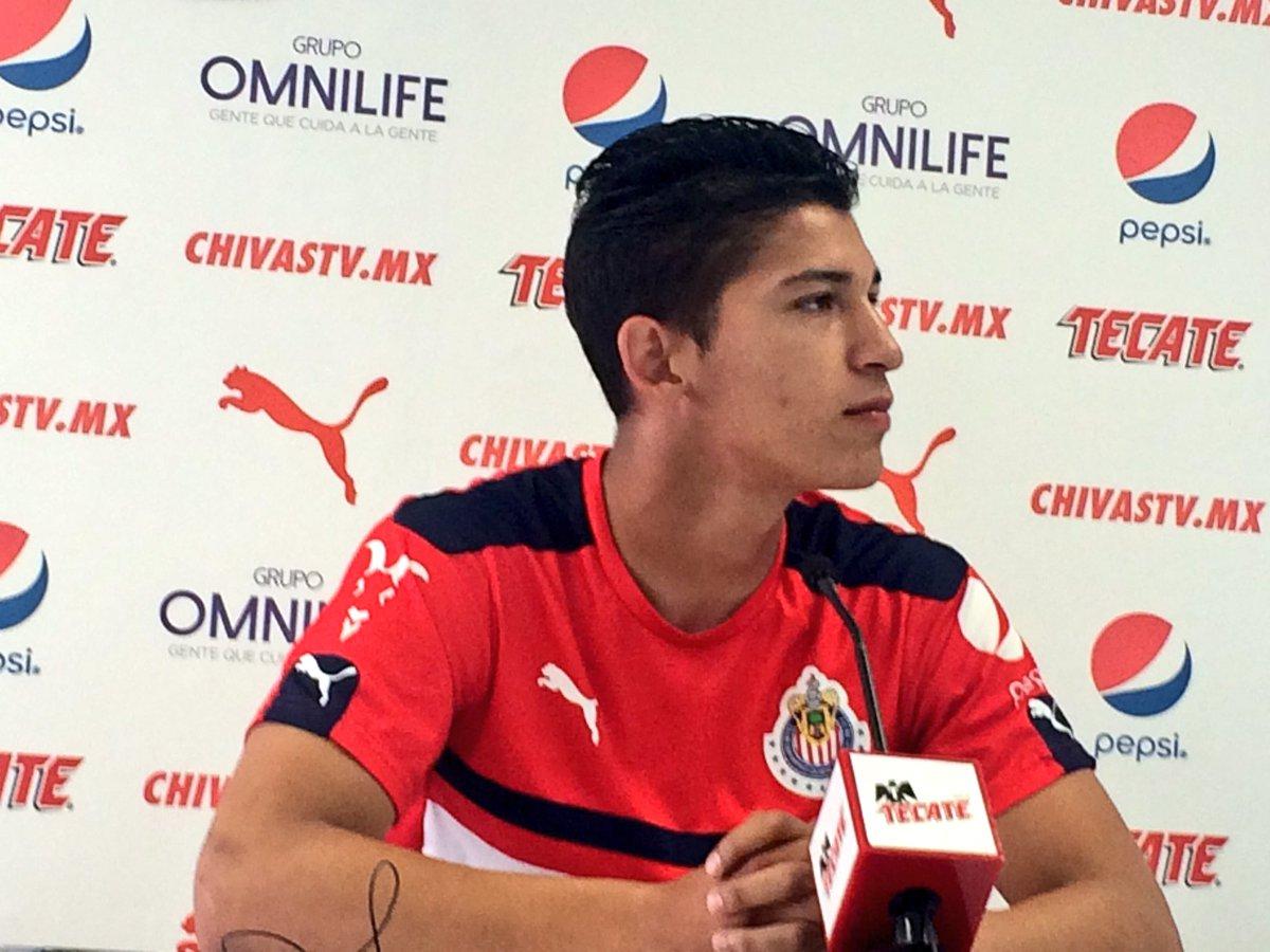 El delantero de Chivas Ángel Zaldívar.