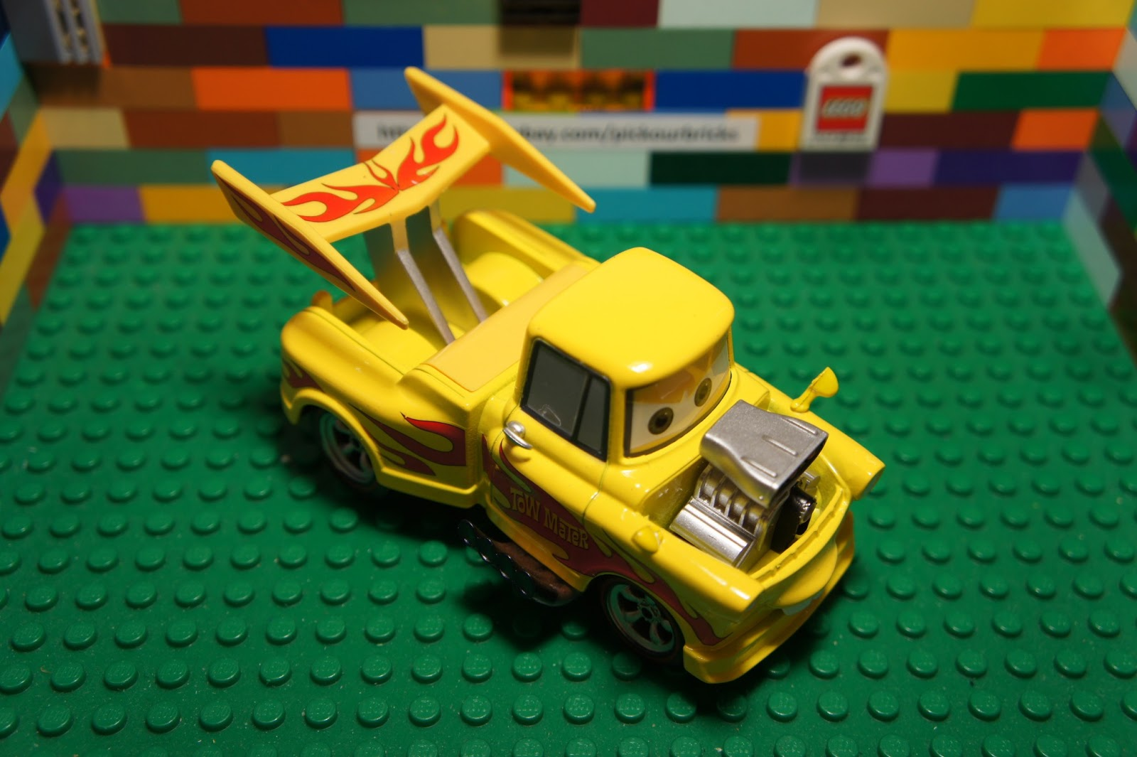 Disney Cars Diecast: Disney Pixar Cars DRAG STAR MATER Rama Diecast 1:43 Scale
