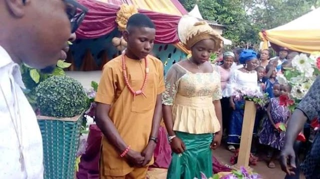 Viral Photo of 17-Year-old boy Who Got married to 16-Year-Old Girl in Nnewi