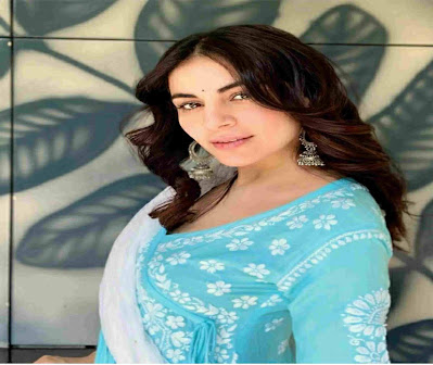 Shraddha Arya husband name