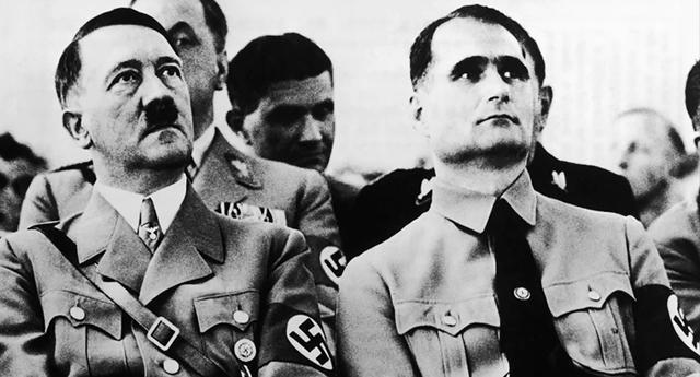 Un informe de la CIA revela que Hitler era un sadomasoquista homosexual
