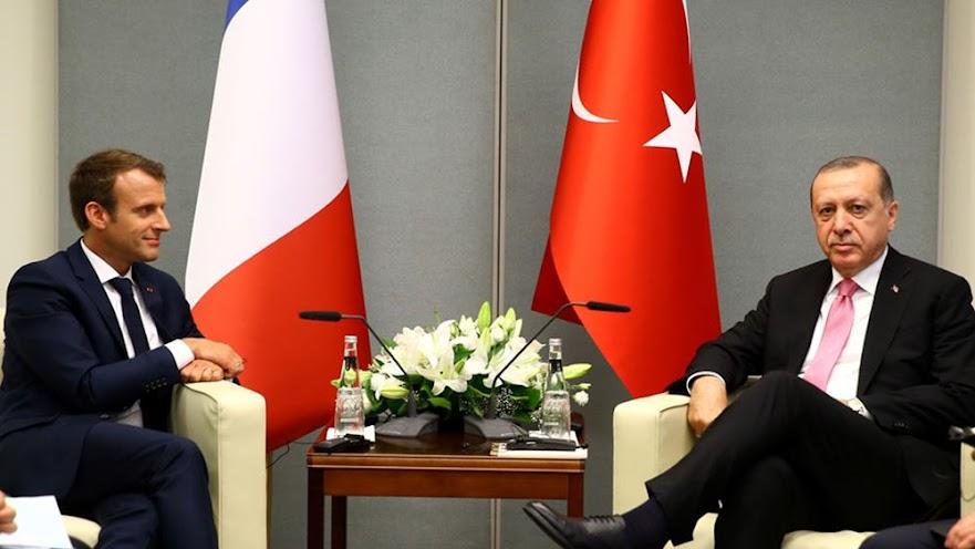 Ο Μακρόν κατηγόρησε τον Ερντογάν για καταστολή των ελευθεριών στην Τουρκία