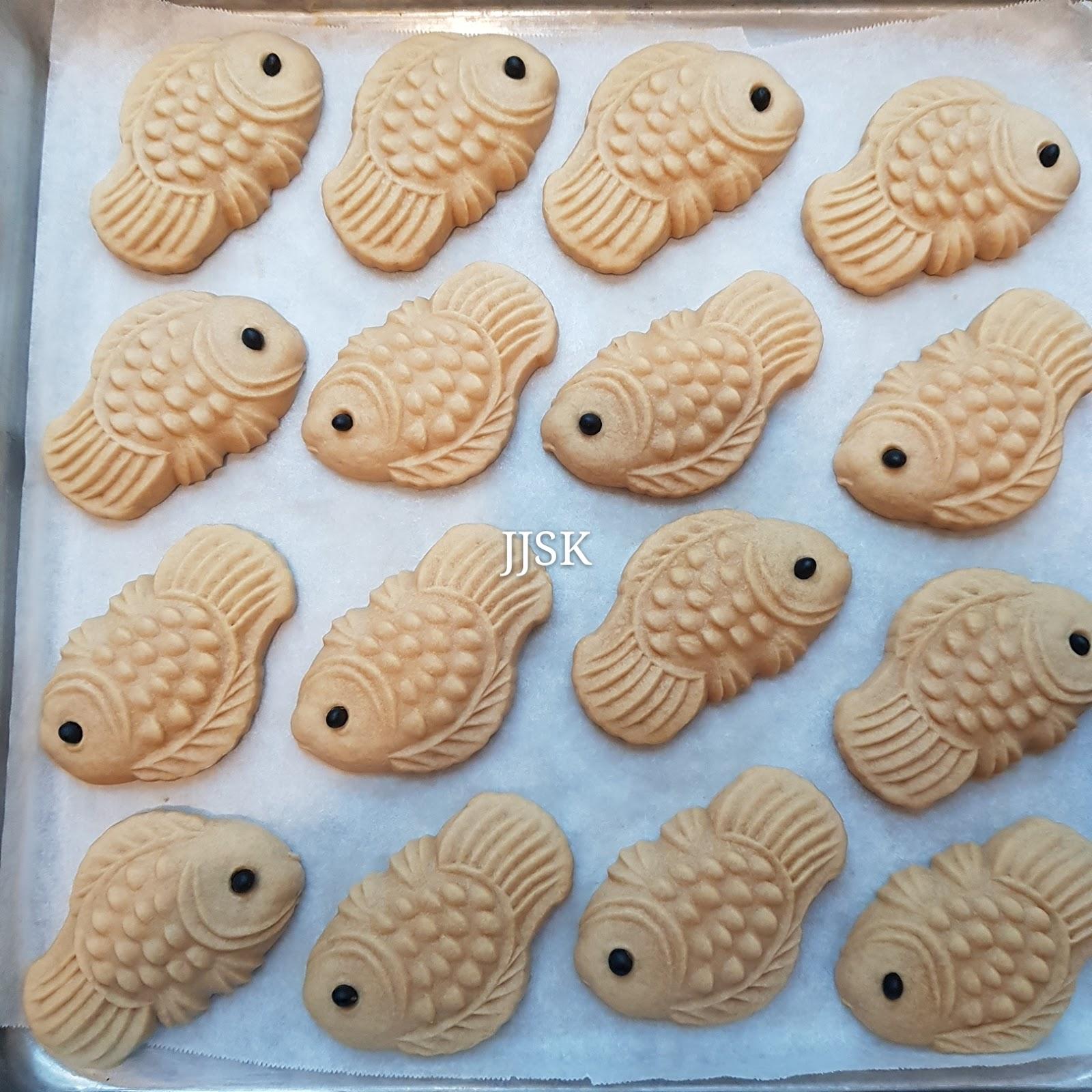wood mode kitchens stand alone kitchen island 爱厨房的幸福之味: 原味公仔饼(鱼) original taste gong zai bing(fish)