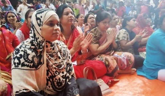 मुस्लिम महिला के हिजाब में हनुमान चालीसा पर मिली धमकी... - newsonfloor.com