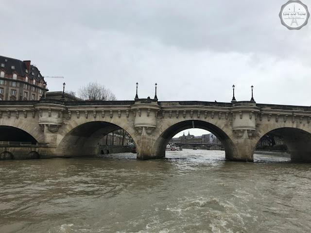Paris, França Pont Neuf
