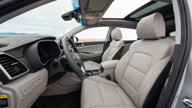 front-seats-and-interior-of-2020-hyundai-tucson
