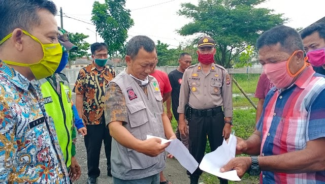 Ratusan Warga Dusun Majingklak Korban Banjir Menerima Bantuan Paket Sembako dari Pemkab Pangandaran