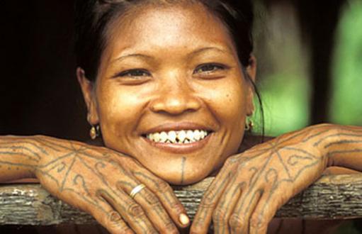النساء ذوات الأسنان المدببة