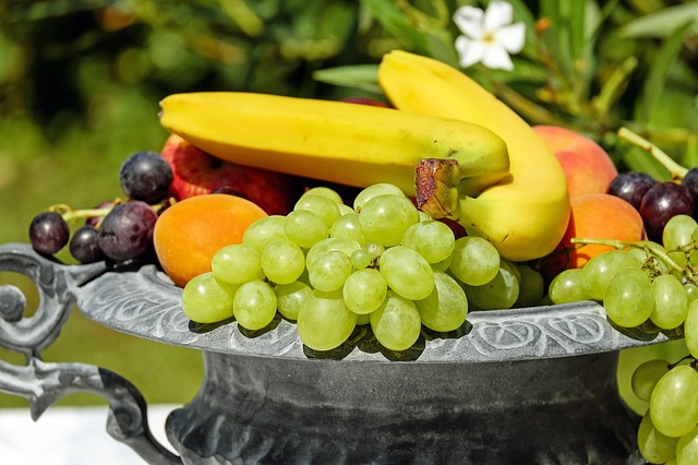 Fruits, Vegetables, and Weekly Points Bump Up Calories