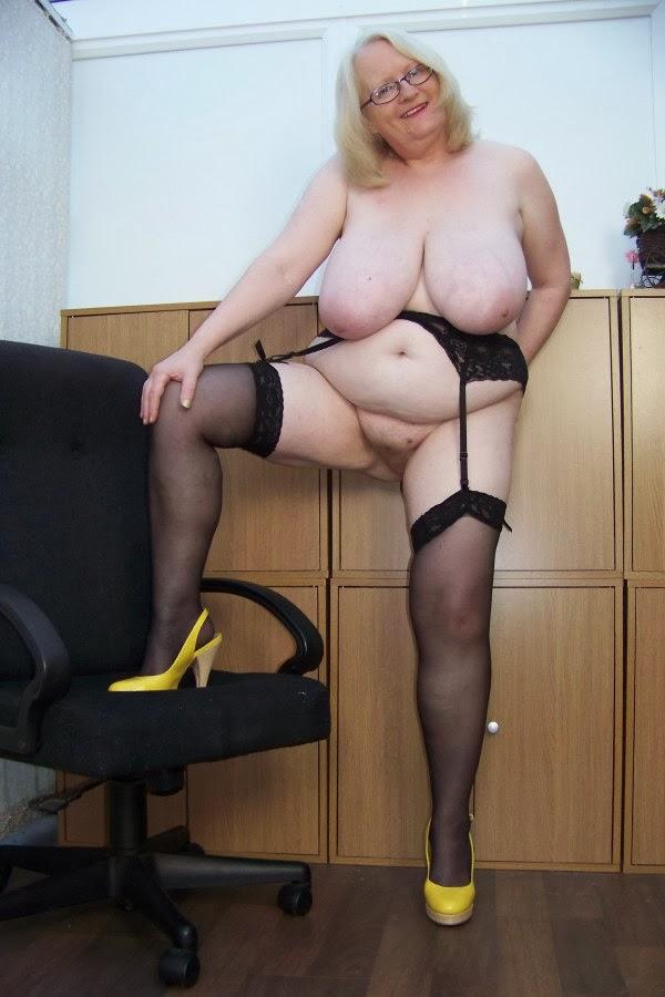 Porn solo girls masterbating