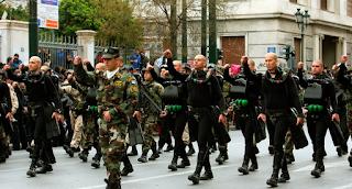 Το Λιμενικό απαγορεύει στους ΟΥΚάδες να απαγγείλουν συνθήματα στην παρέλαση!