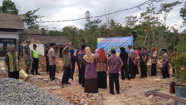 KodimKaranganyar - Peletakan Batu Pertama Pembangunan Kantor Desa Ngemplak