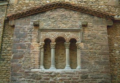 Oviedo, iglesia, San Tirso, ventana, trífora