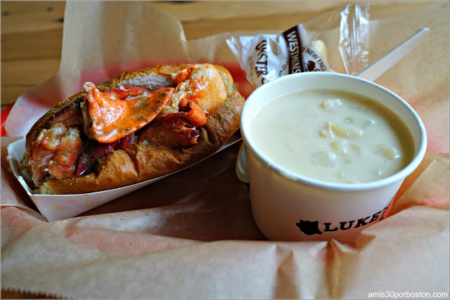 Clam Chowder y Lobster Roll de Luke's Lobster, Boston