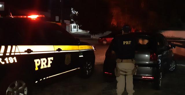 PRF recupera veículo roubado na BR-427 no interior do RN; ocupantes do veículo fugiram a pé