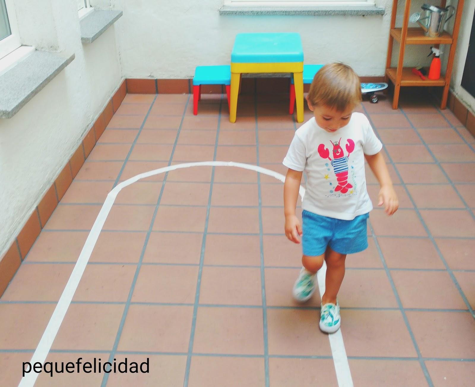 Pequefelicidad El Juego De Caminar Por La Linea Montessori Que