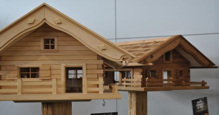Exclusive Vogelhäuser im Alpenlook