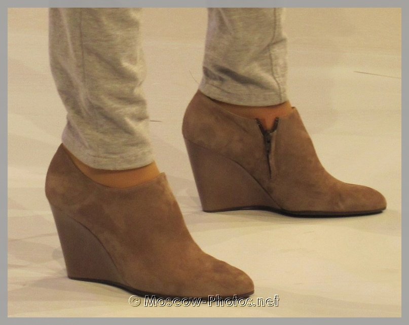 Wide High Heels Suede Shoes