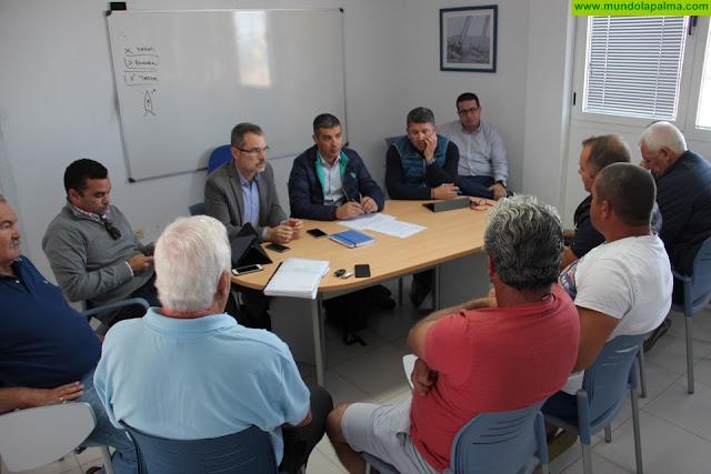 El Gobierno canario eliminará este año las tasas que pagan los pescadores profesionales en los puertos de la Comunidad Autónoma