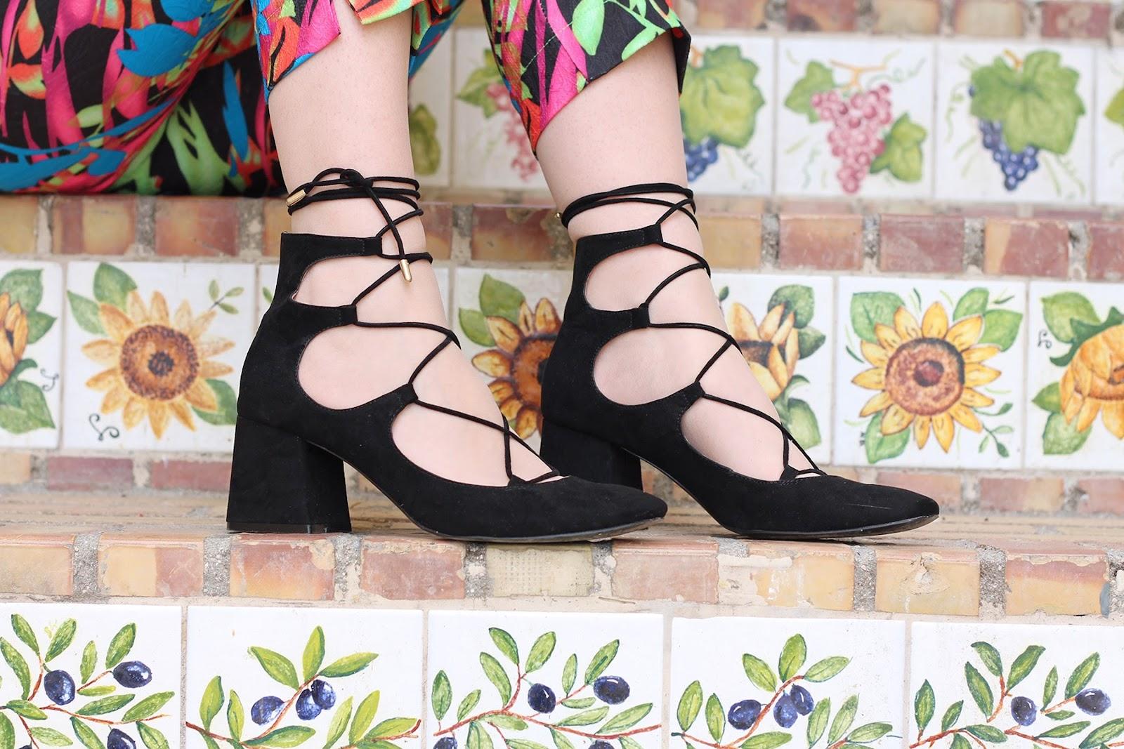 fashion style blogger italian girl italy vogue glamour pescara vasto goa goa pant colors zara heels sandals shoes scarpe