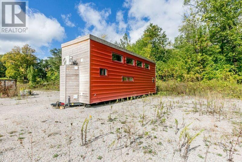 Tiny House Town Victoria Harbour Tiny House 320 Sq Ft