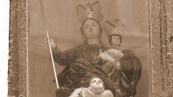 Roban en Lucena una imagen de la Virgen de la Aurora en la hornacina de su ermita
