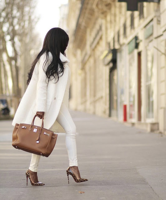 Total white look: Πως να το φορέσεις όπως οι fashion bloggers!