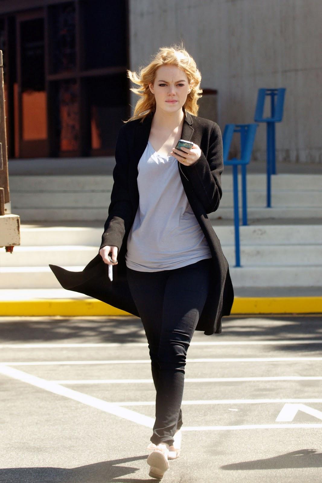 Andrew Garfield Wallpaper Iphone Emma Stone Emma Stone Street Style