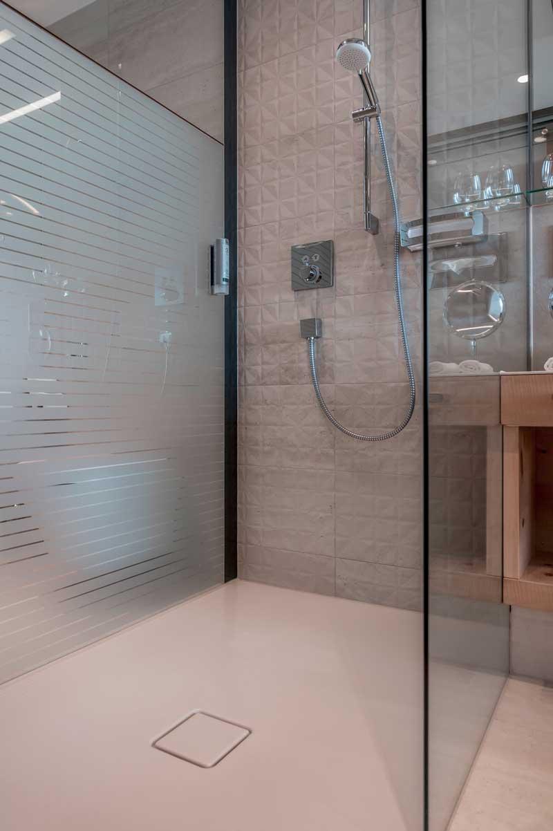 sci e benessere all hotel gotthard zeit con le soluzioni. Black Bedroom Furniture Sets. Home Design Ideas