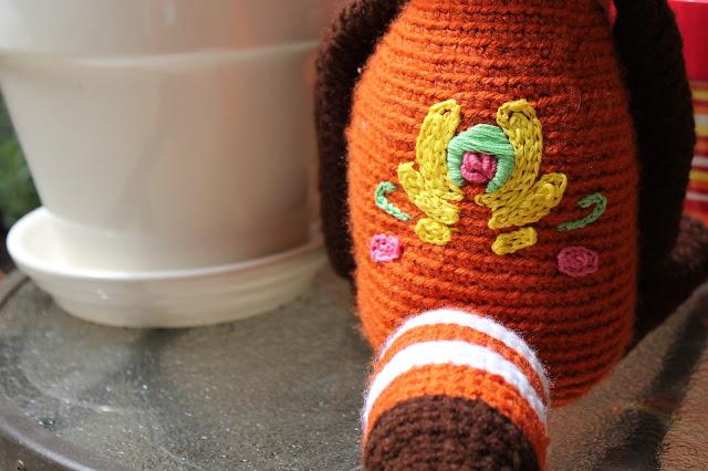 Hecho a la orden Pequeño Panda Rojo Amigurumi Smol Bean | Etsy | 426x640