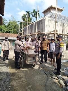 Kapolsek Ajibarang Peduli Pada Warga Desa Banjarsari Yang Menderita Penyakit