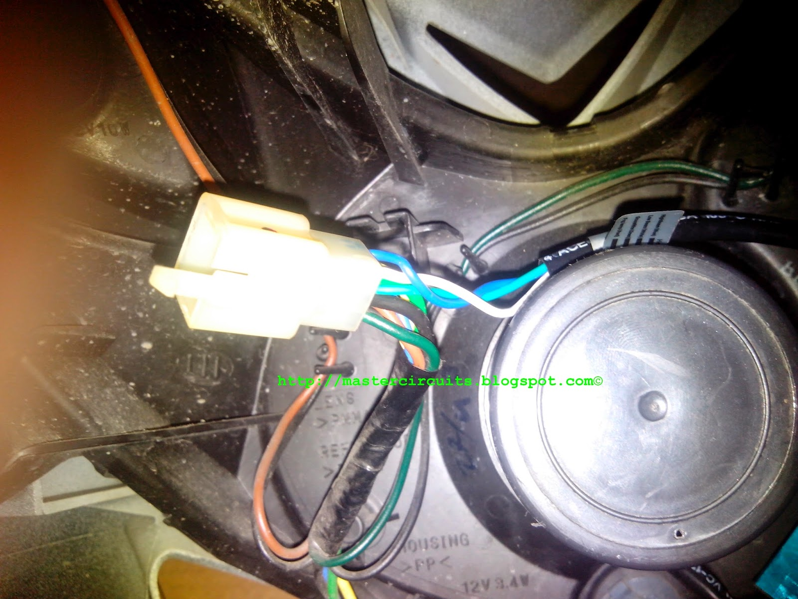 small resolution of  wires to preserve the original wiring in case problem arises with the led replacement and always ready for the refitting of the original bulb headlight