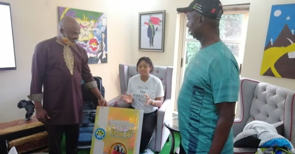 """AGN Names Actress Regina Daniels' Baby """"Nollywood Baby Of The Year"""" After  Courtesy Visit"""