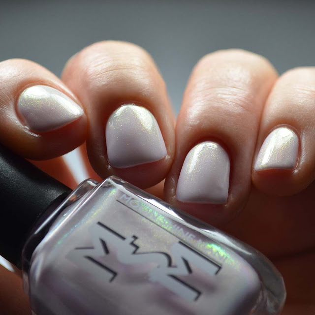pale purple nail polish with color shifting shimmer swatch