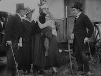 """Кадр из фильма Чарли Чаплина """"Скиталец"""" (1916) - 15"""