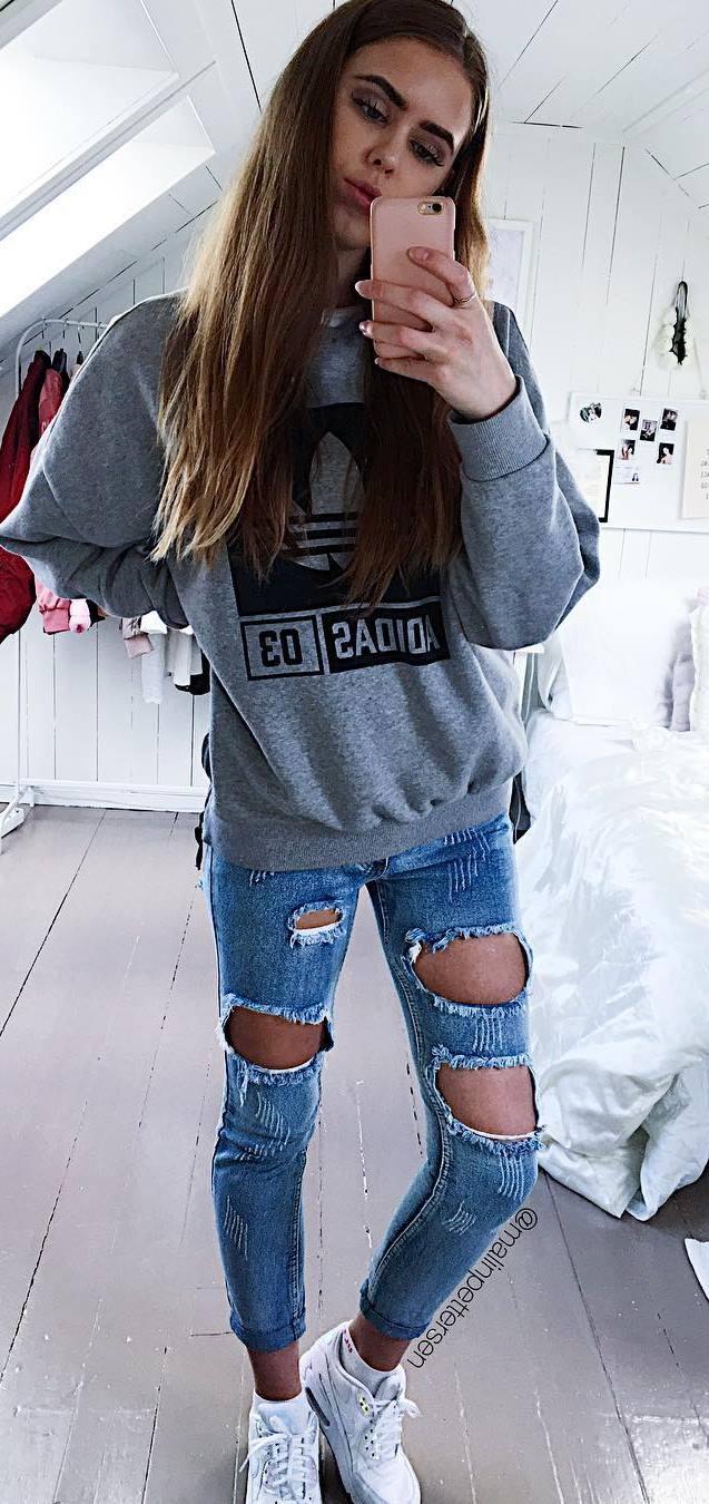 ootd: sweatshirt + ripped jeans