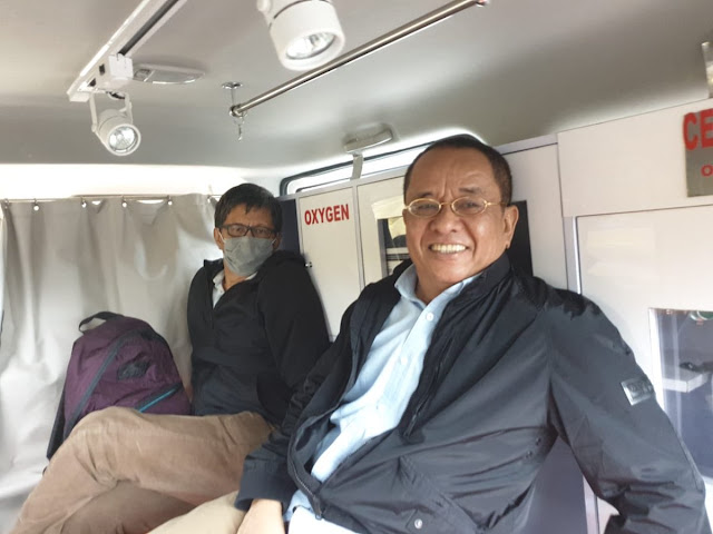 Sempat Ditolak, Rocky Gerung Terpaksa Naik Ambulans demi Hadiri Seminar