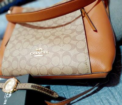 Beg Dan Jam Tangan Coach Sebagai Hadiah Untuk Diri Sendiri