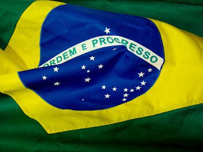 O povo brasileiro e a carência histórica por lideranças extraordinárias, mitos ou messias  e o mal que isto causa a democracia