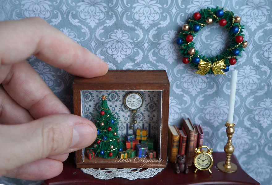 The Whole World in the Miniature Art of Russian Artist Olga Mutina