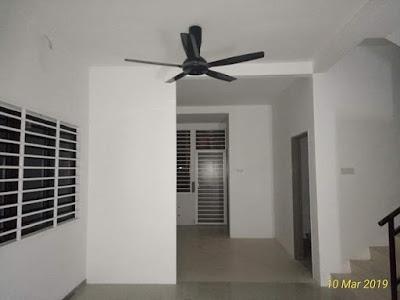 Pemasangan suspended ceiling dan wiring di ruang tamu