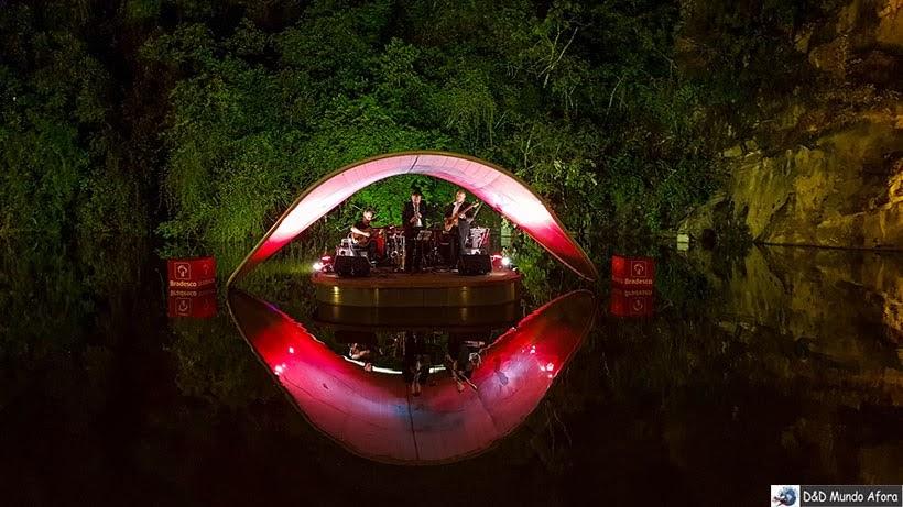 Show de Jazz no palco flutuante da Ópera da Arame de Curitiba - confraternização do Encontro da RBBV
