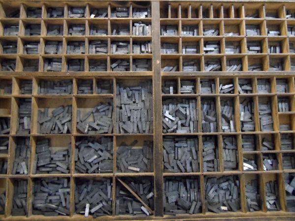 Les cassetins où sont rangés les caractères