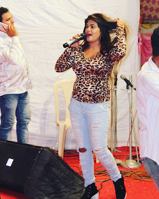 nisha dubey dancing photo