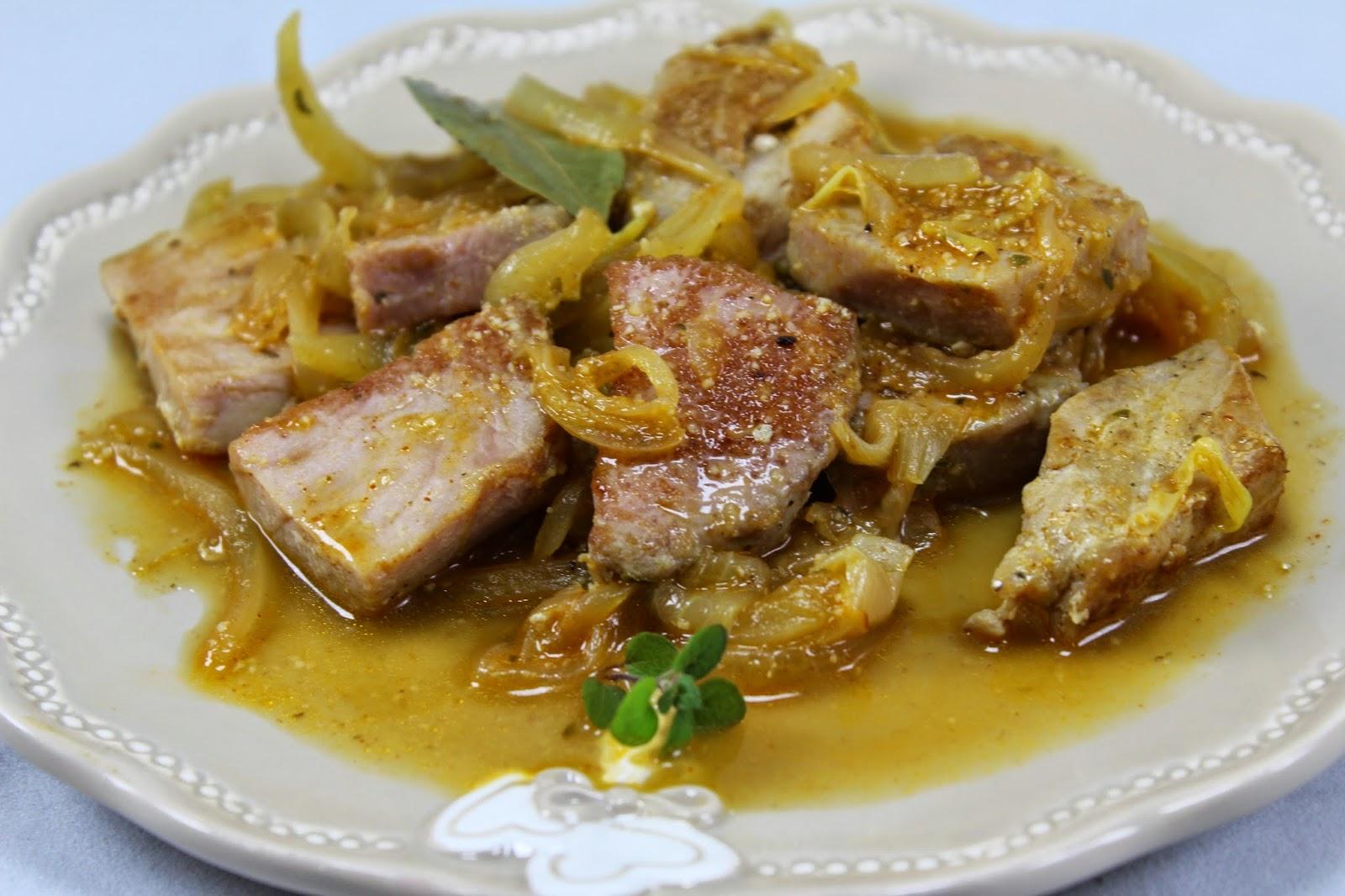 Atún encebollado cocina tradicional