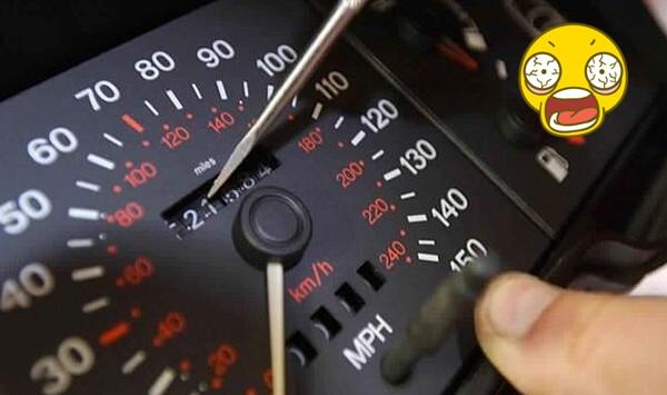 كيف تتمكن من معرفة ان عداد السرعة للسيارة تم التلاعب به