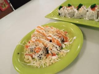 Makan sushi di gayungsari