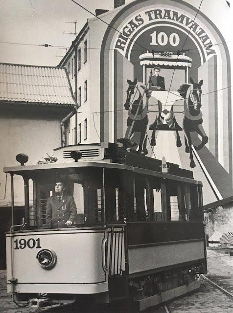 Рига. Экскурсионный ретро-трамвай и его первый водитель - Лаймонис Виткус