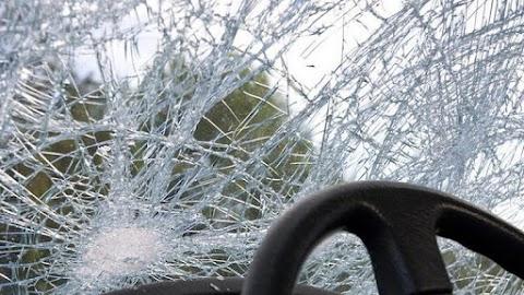 Nagy baleset történt: árokba csapódott egy autó Bicskén